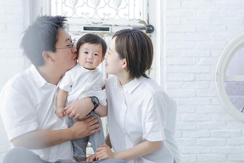 1歳誕生日家族写真